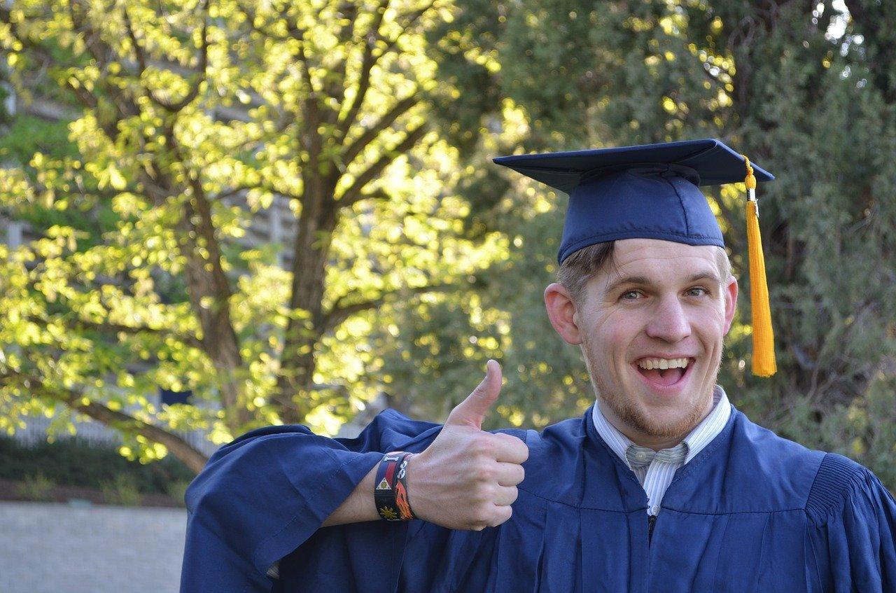 大学でTAやってみたら、給料良すぎて最高だったって話。